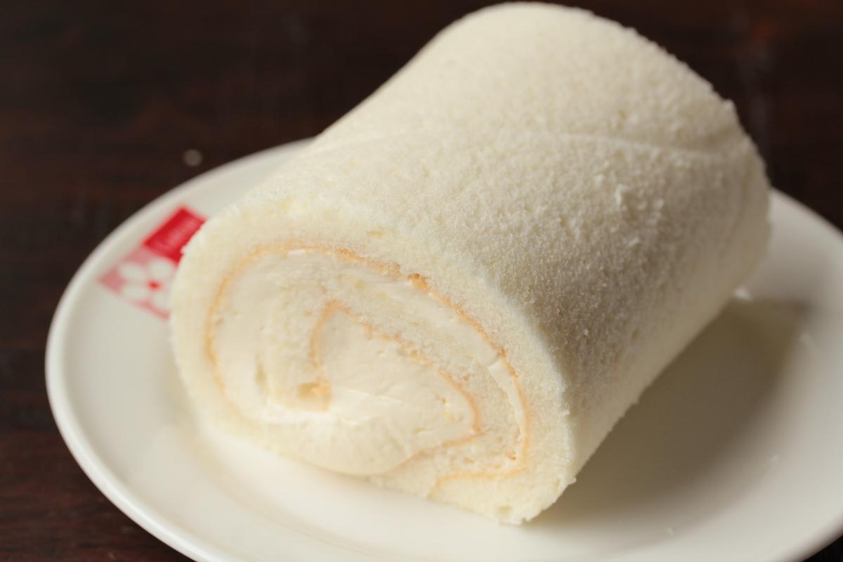 ガトーフレーズ ロールケーキ 白い